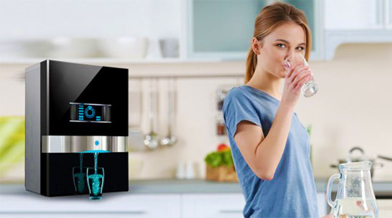 10 Benefits of Using a Water Purifier