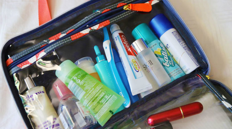 10 Tips How to Pack Makeup for Travel